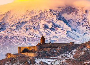 Europa del Este: Armenia y Georgia con Kazbegui en las montañas del Gran Cáucaso