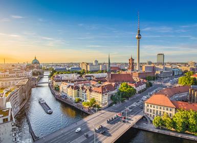 Noroeste y Centro de Europa: Praga, Ámsterdam y Berlín en avión