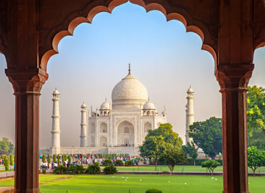 Viajes India 2019-2020: Tour Delhi, Jaipur, Agra, Khajuraho y Benarés por carretera
