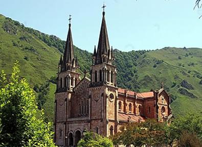 Viajes Asturias 2019-2020: Circuito Picos de Europa. Asturias, paraíso natural Puente Constitucion